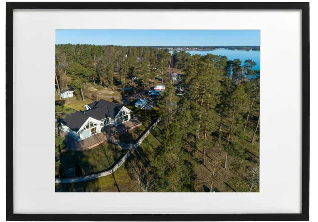 Ett flygfotografi av ditt hus blir en veckar tavla.